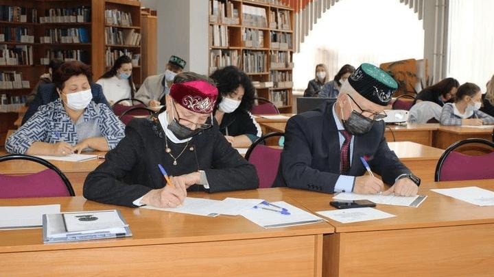 Активисты Татарской национально-культурной автономии Тульской области написали «Татарча диктант»
