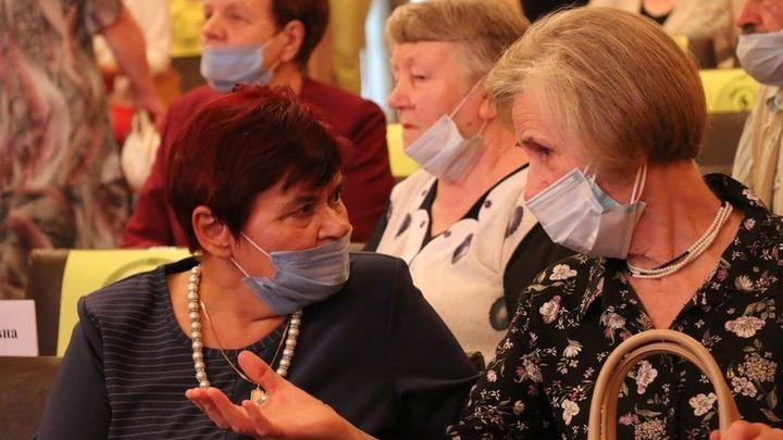 В Новомосковске чествовали ветеранов педагогического труда