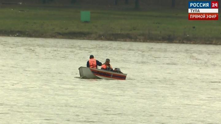 Сотрудники ГИМС патрулируют излюбленные рыбаками места