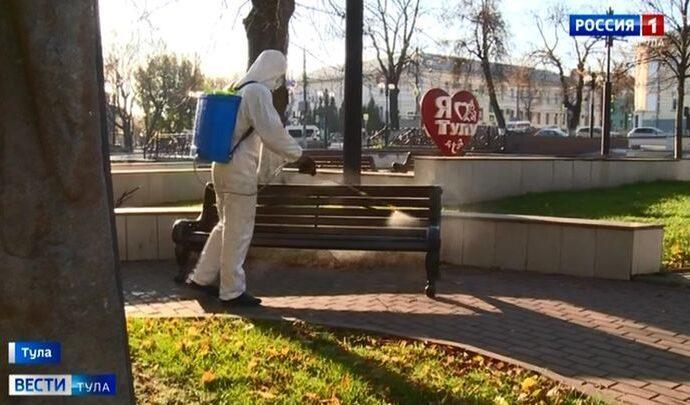 Тульские спасатели дезинфицируют город хлорным раствором