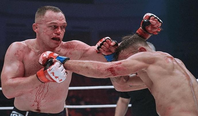 Туляк Алексей Махно победил Виктора Азатяна на AMC Fight Nights 105