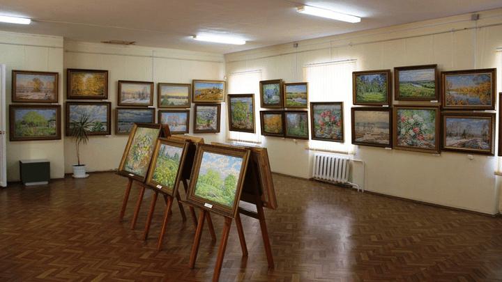 «Окно в мой мир»: В Алексинском художественно-краеведческом музее открылась авторская выставка