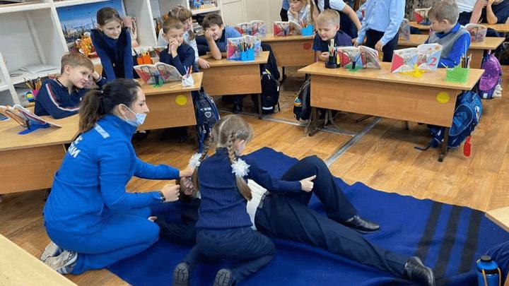 Если друг оказался вдруг: Ефремовским школьникам рассказали, как оказать первую помощь