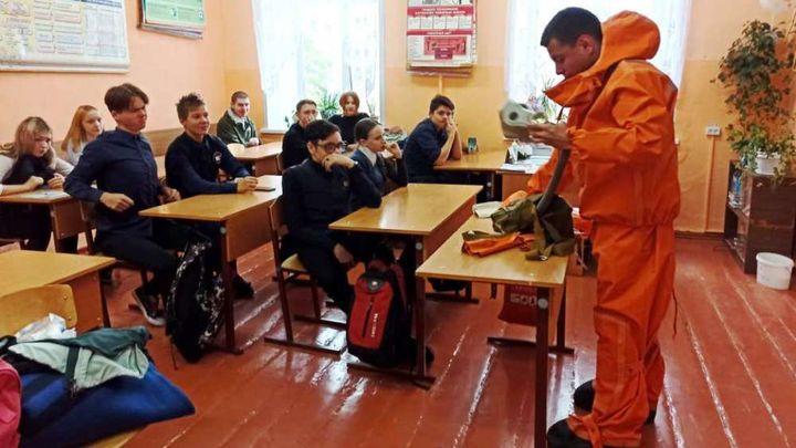 Ефремовские спасатели провели занятия с жителями Красивомечья