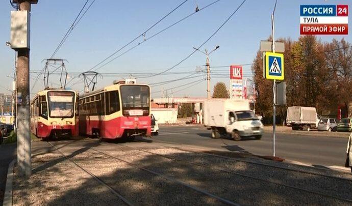 Туляки продолжают нарушать ПДД на месте, где под трамвай попали мама с ребёнком